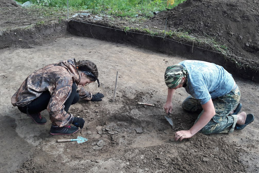 Северские археологи приняли участие в раскопках поселения Шеломок