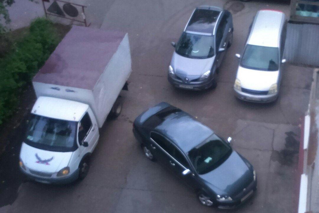 Парковка по правилам - ведь это несложно?