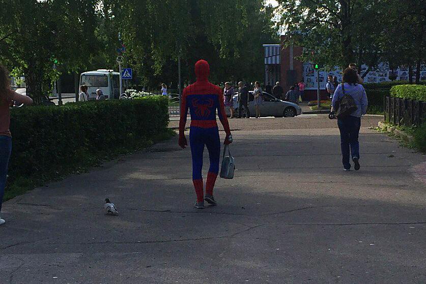 Человек-паук вышел на борьбу со злом