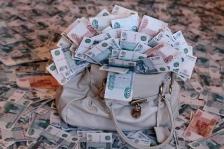 Две сотрудницы банка получили условный срок за хищение 5,5 миллионов из кассы