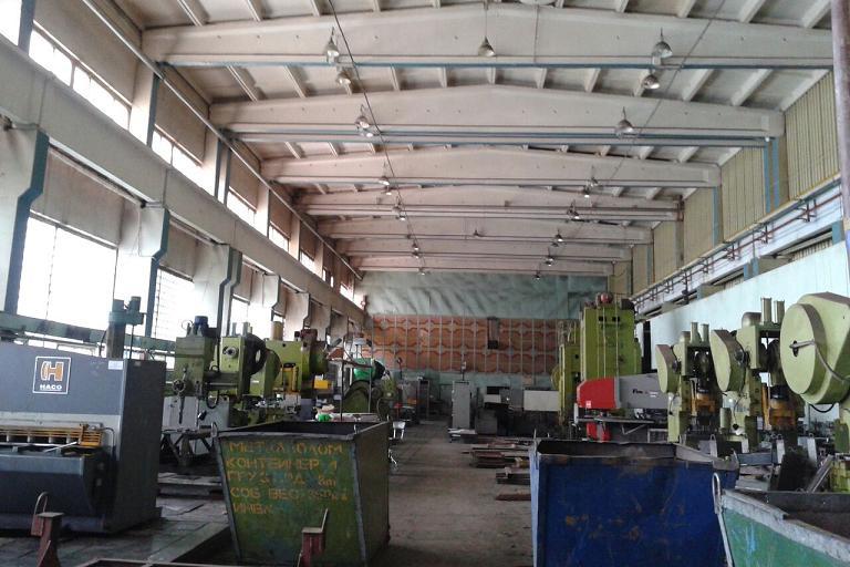 Судебные приставы арестовали здания завода электромонтажных изделий