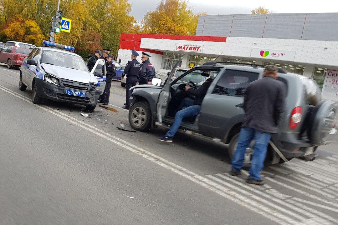 Служебный автомобиль сбил девятилетнюю девочку
