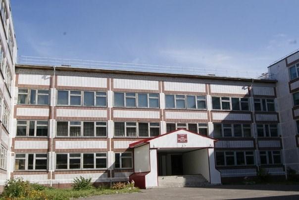 В школе №90 из-за разлива ртути школьников отпустили домой