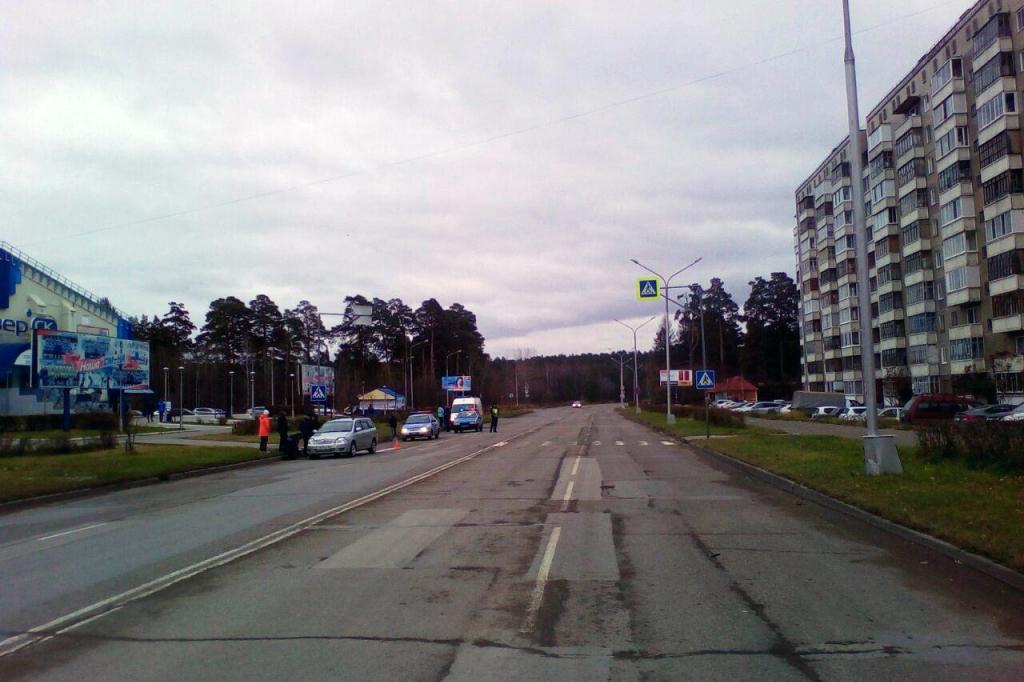 Пожилой водитель сбил двух девочек на пешеходном переходе