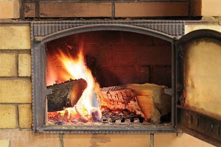 Неисправная печь может дом сжечь!