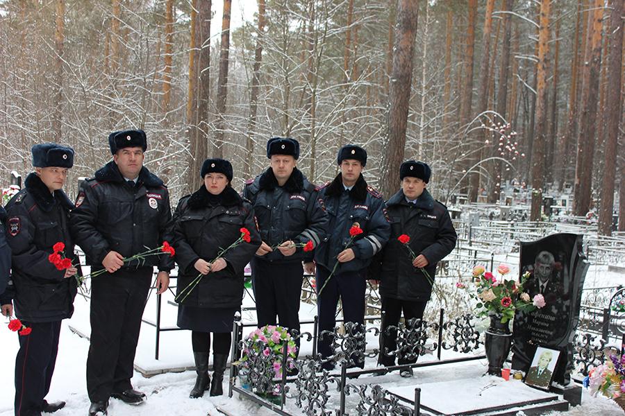 В городе почтили память сотрудницы Госавтоинспекции, трагически погибшей при несении службы