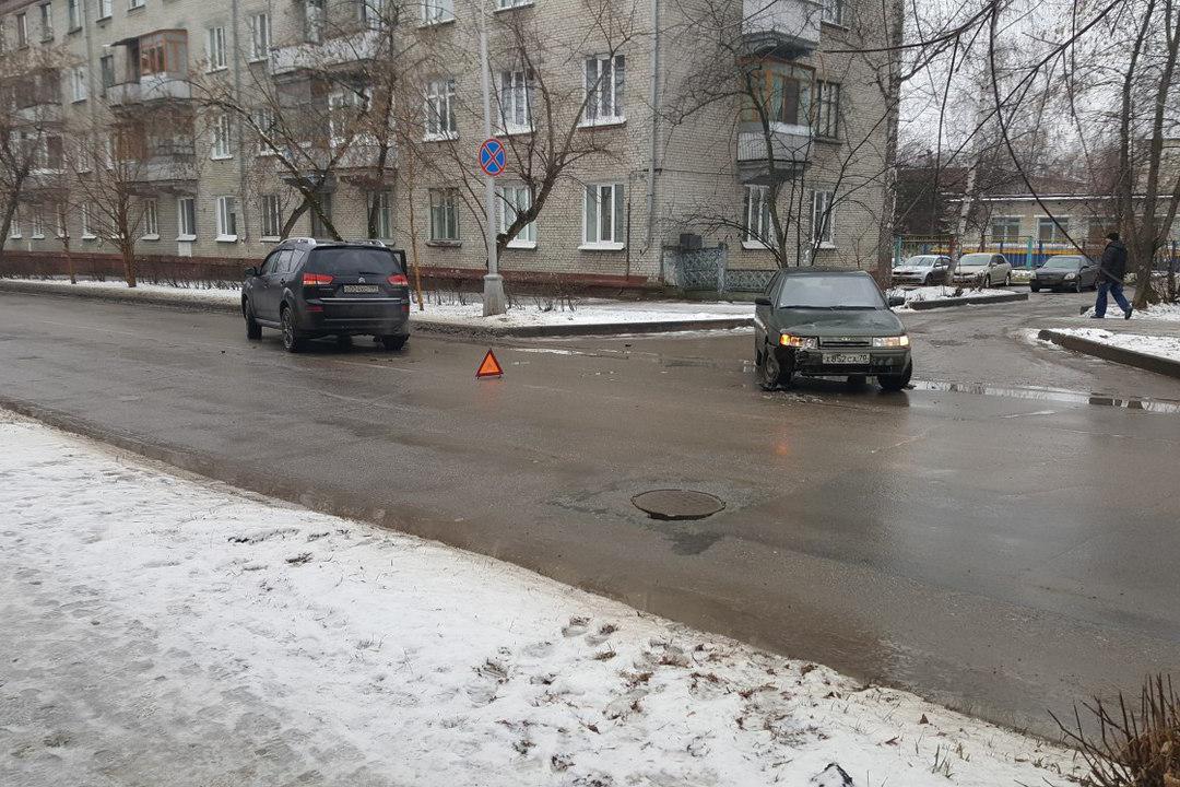 ДТП возле Калинина, 4а