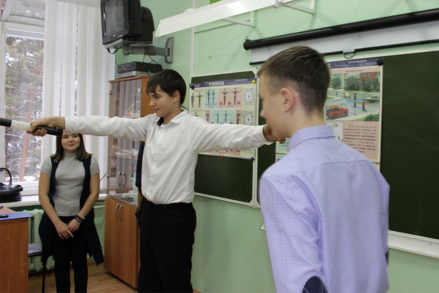Сотрудники Госавтоинспекции провели практическое занятие с отрядом юных инспекторов движения