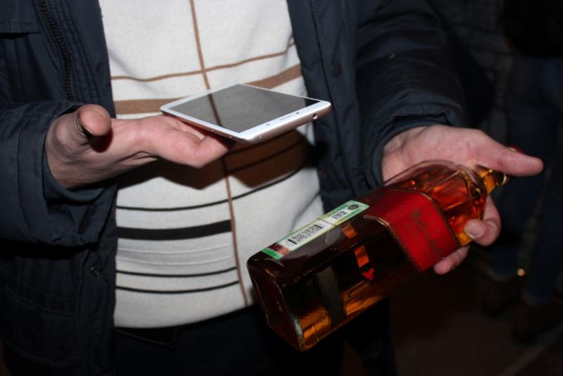 Сотрудники полиции изъяли 58 литров алкогольной продукции