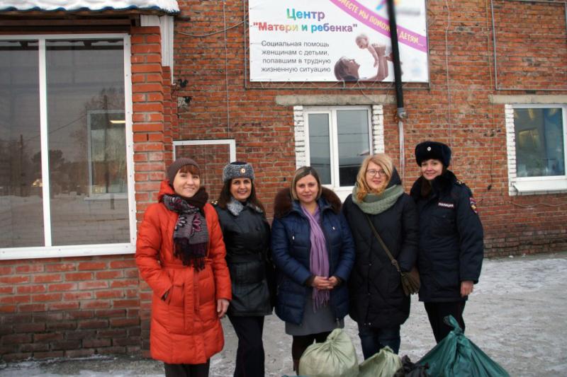 Сотрудники полиции совместно с общественниками посетили центр «Матери и ребенка» и детскую больницу