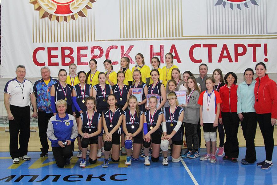 Девушки сразились за звание лучшей волейбольной команды