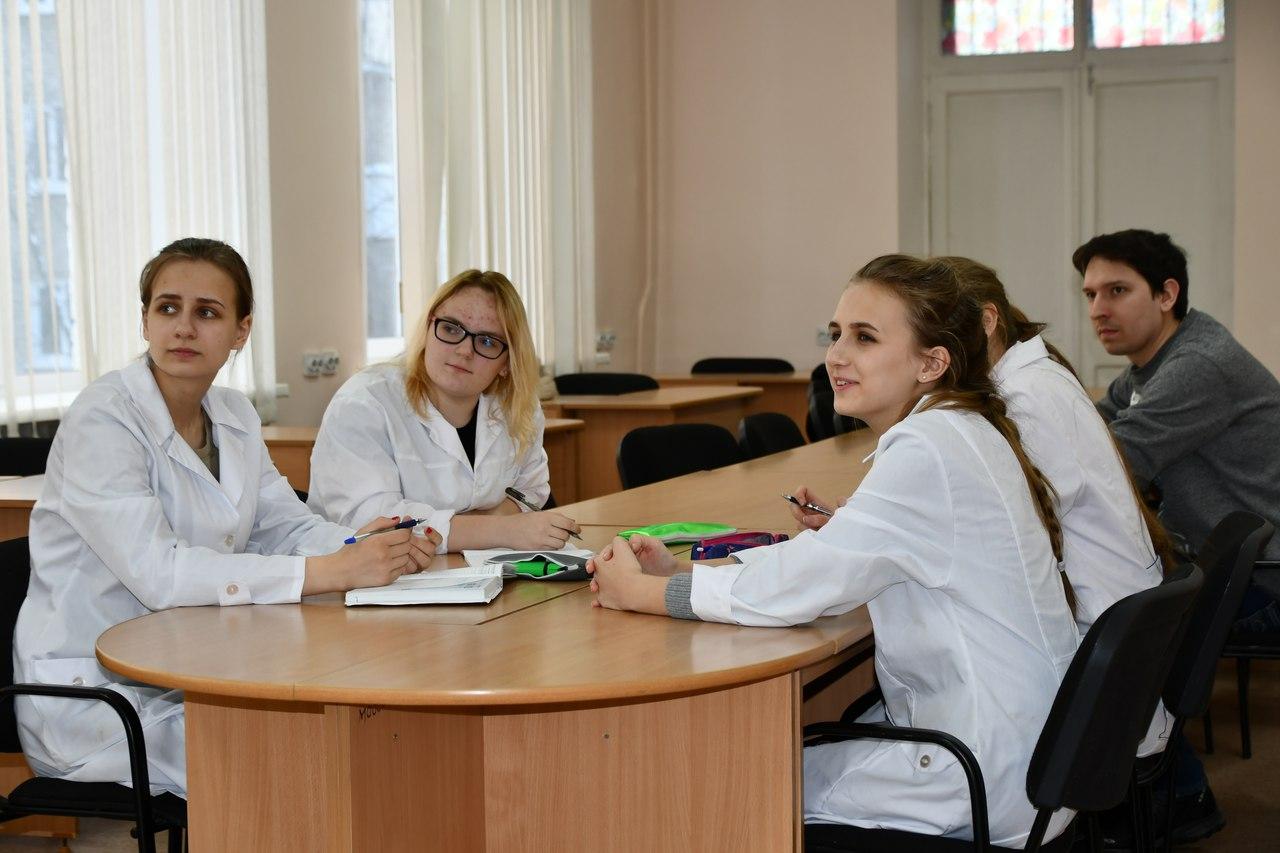 В Северской инженерной школе проводятся практические занятия со старшеклассниками