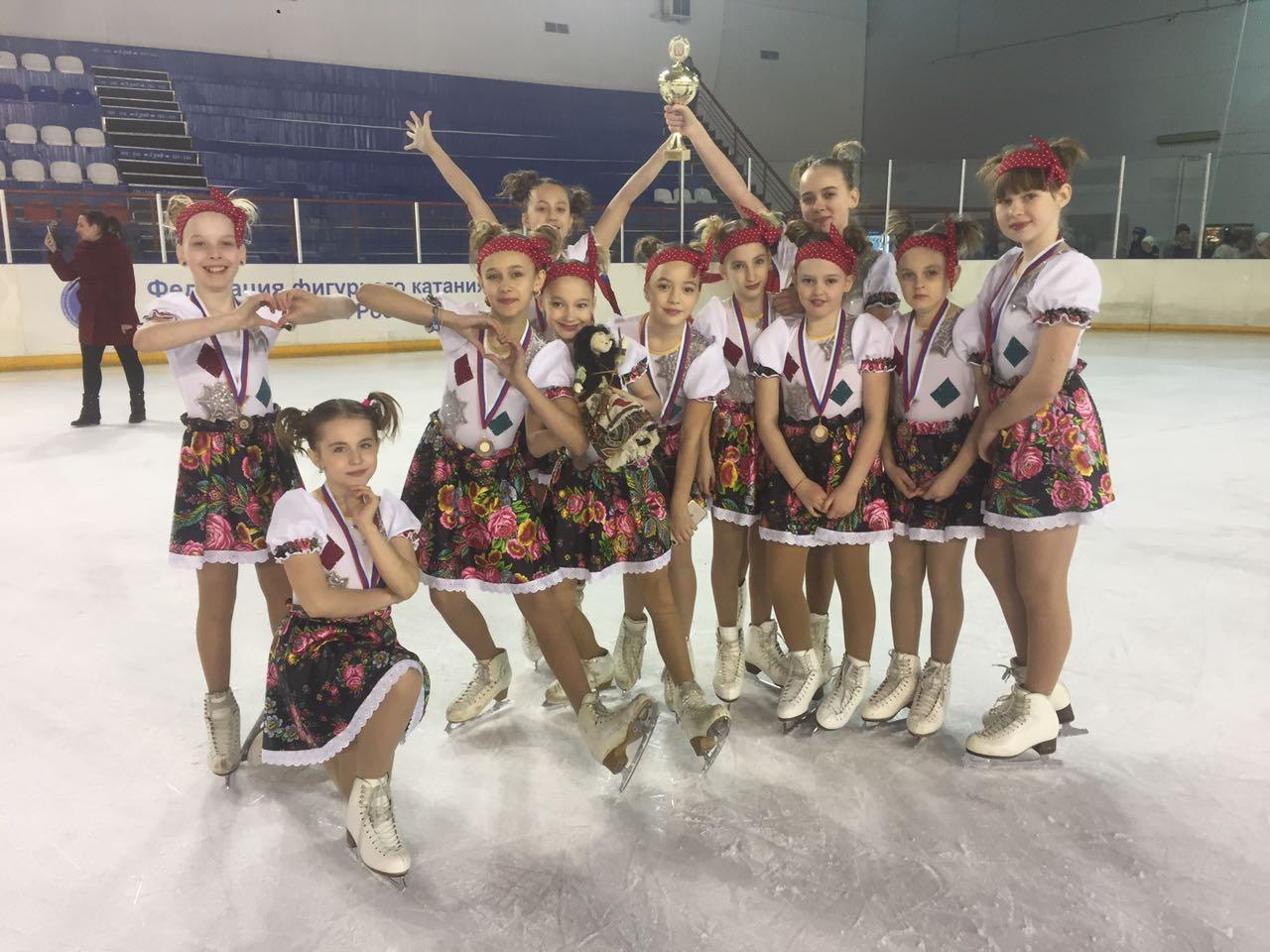 Северчанки заняли 3 место на турнире по синхронному катанию на коньках