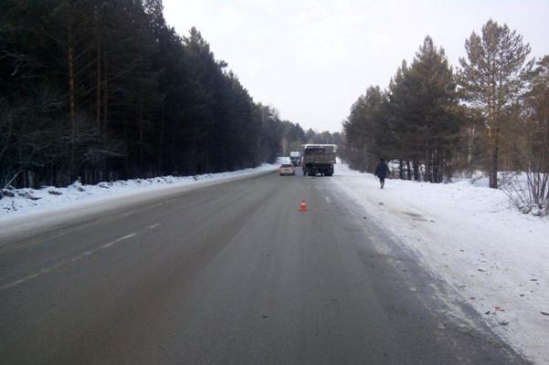 Водитель автомобиля пострадал в ДТП с КамАЗом