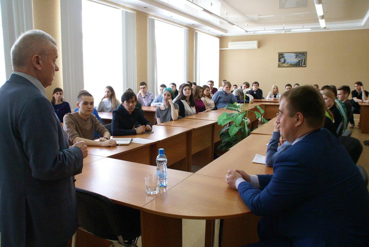 В колледже состоялась встреча Мэра Северска со студентами