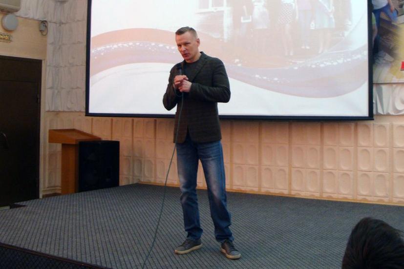 Руководитель ООО «Нефтеспас» Руслан Сбитнев провел «урок мужества»