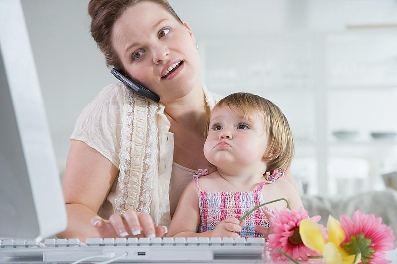 Сложно ли найти работу или получить профессиональное образование с маленьким ребенком?