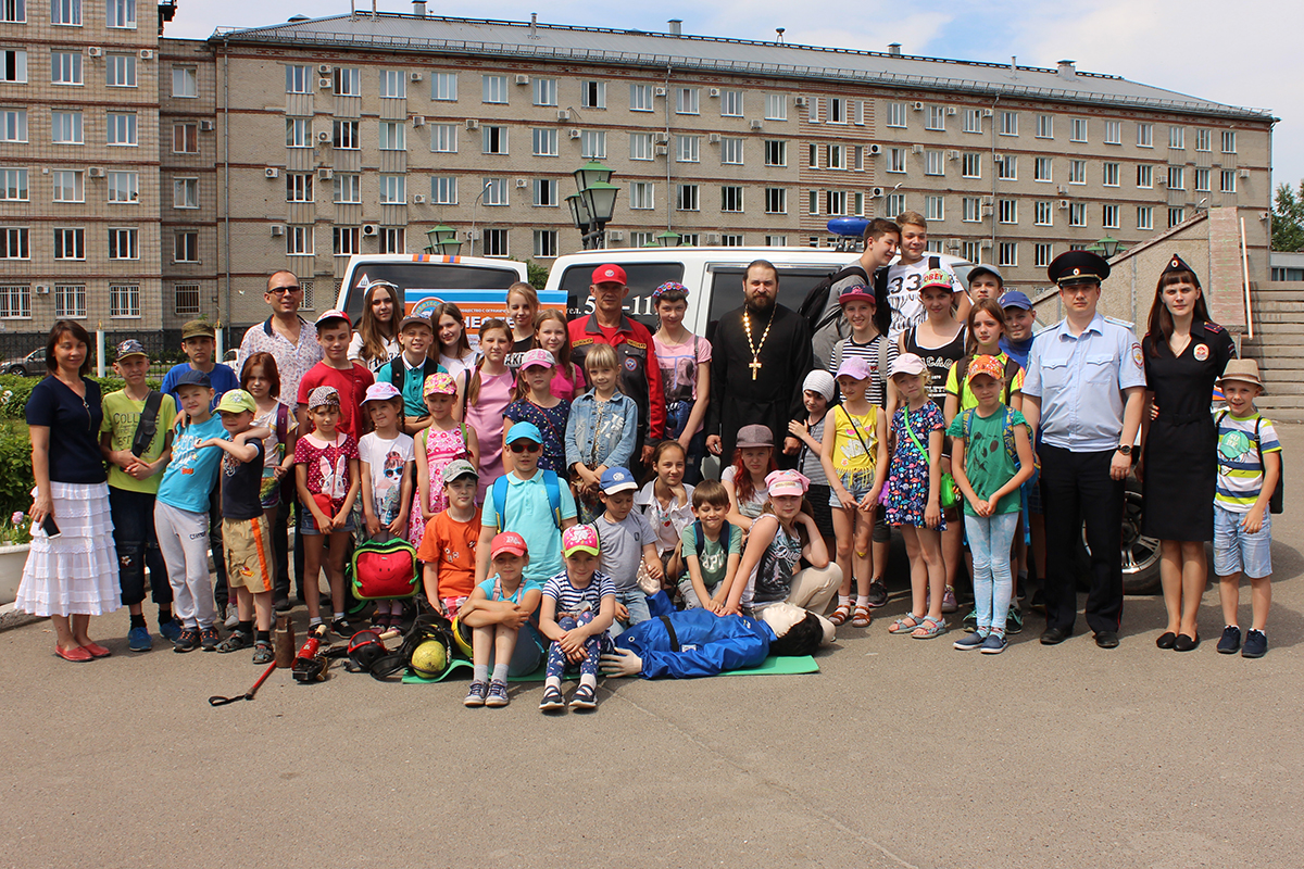 Полицейские и общественники провели занятия для детей, посещающих воскресно-приходскую школу