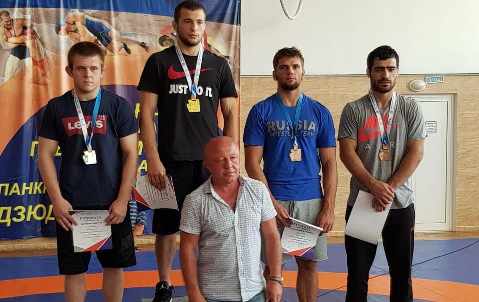 Тимофей Красноперов отправится на Чемпионат России по греко-римской борьбе