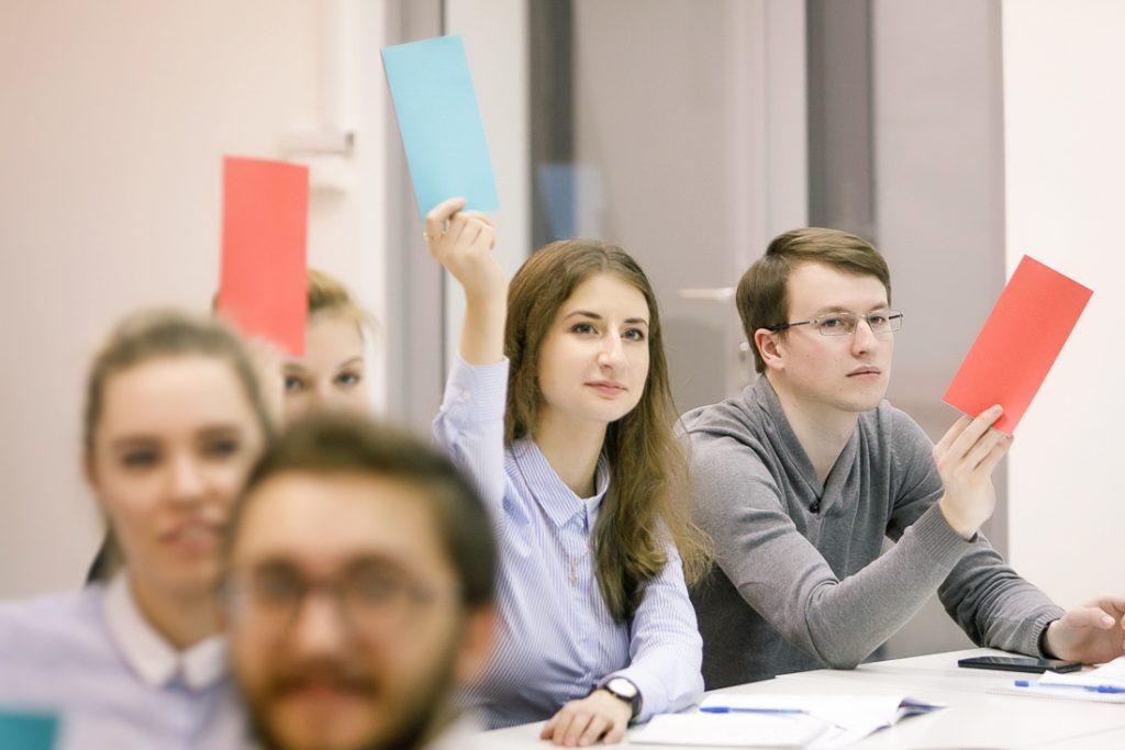 Работадателям возместят часть затрат на зарплату при трудоустройстве выпускников