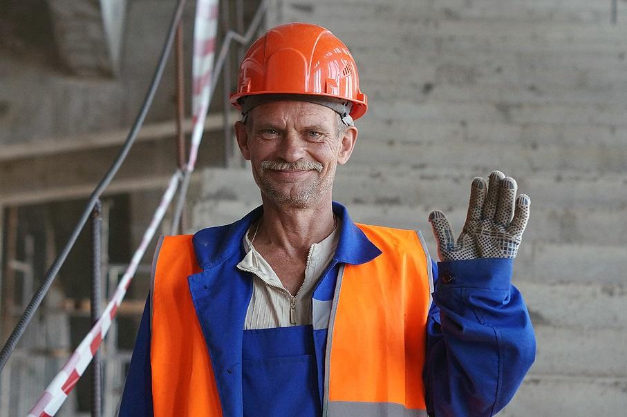 Ко Дню строителя о досрочном пенсионном обеспечении работников строительной отрасли