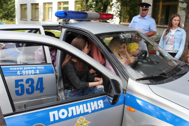 Полицейские провели познавательное мероприятие с детьми, отдыхающими в лагере «Восход»