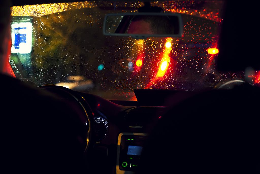 Если таксист внушает вам опасения своим видом и поведением - это к неприятностям наяву, разговаривать с ним - услышите читать дальше.