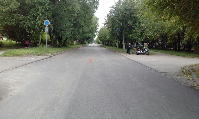 Мотоциклист врезался в иномарку и отправился в больницу