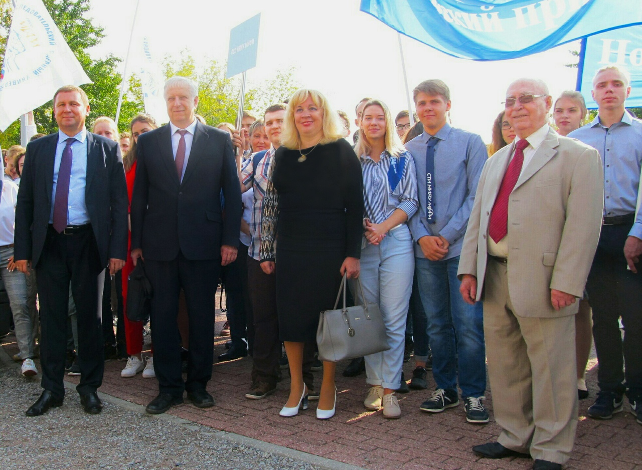 Первокурсники-высокобальники посетили Москву