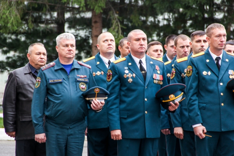 В Северске торжественно отметили 71-ю годовщину со дня образования Специальной пожарной охраны МЧС России