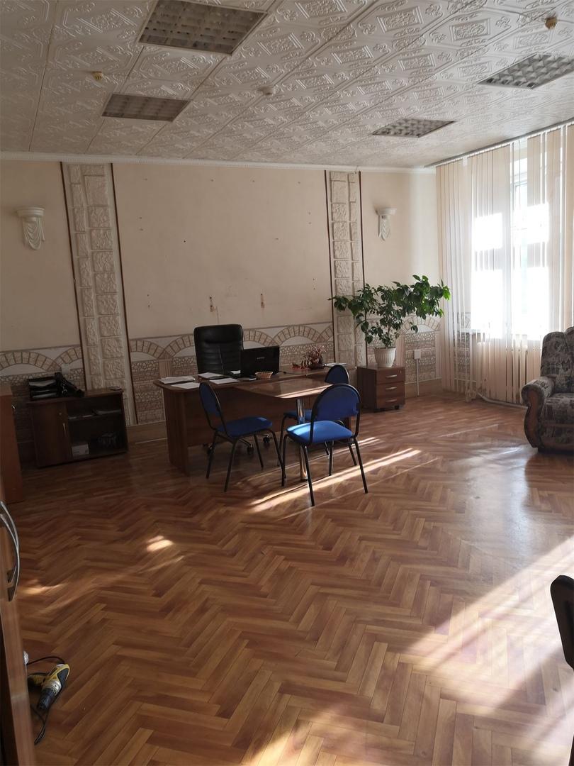 Аренда офисных помещений по адресу Калинина, 9