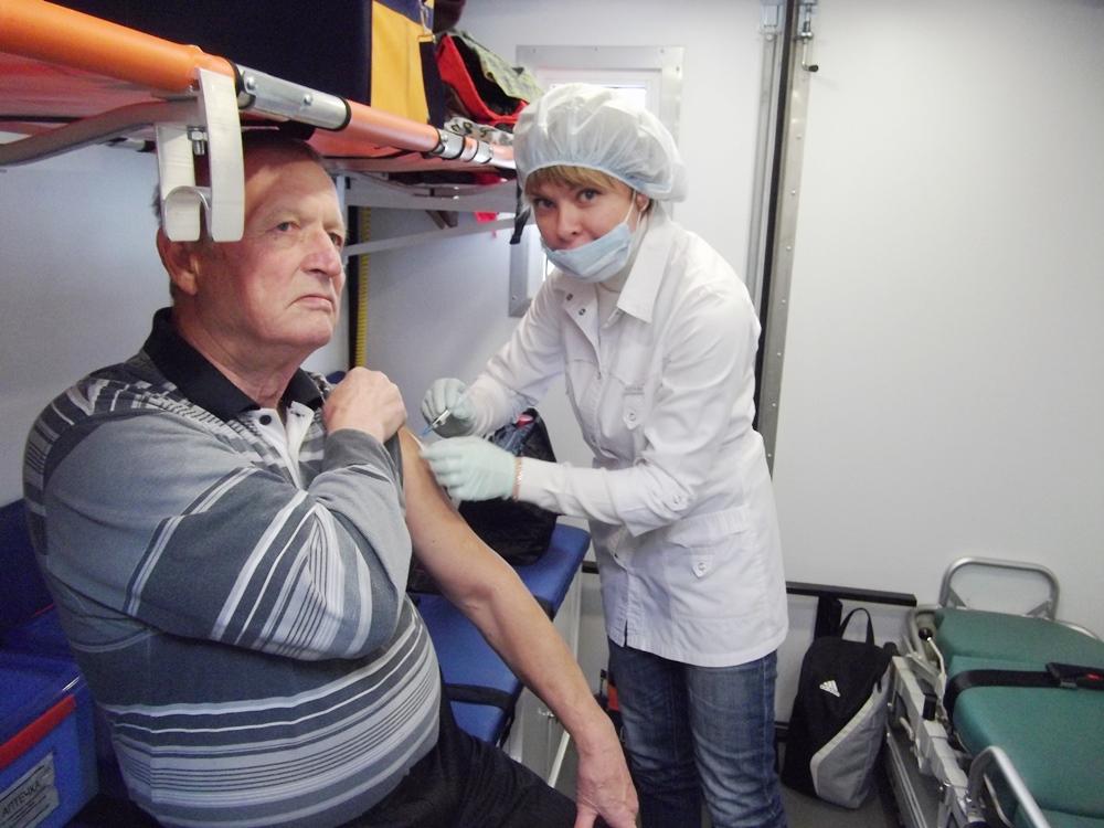 Медики призывают население успеть поставить прививку от гриппа