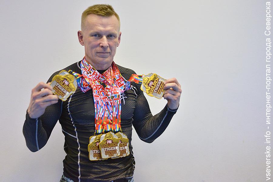 Северчанин Руслан Сбитнев победил на Чемпионате мира по пауэрлифтингу в пяти дисциплинах
