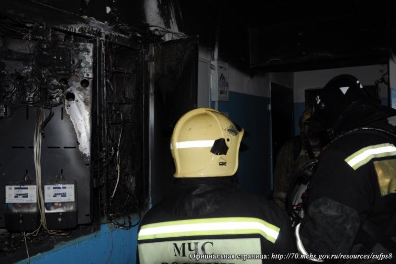 Северчанин принял участие в тушении пожара в своем подъезде