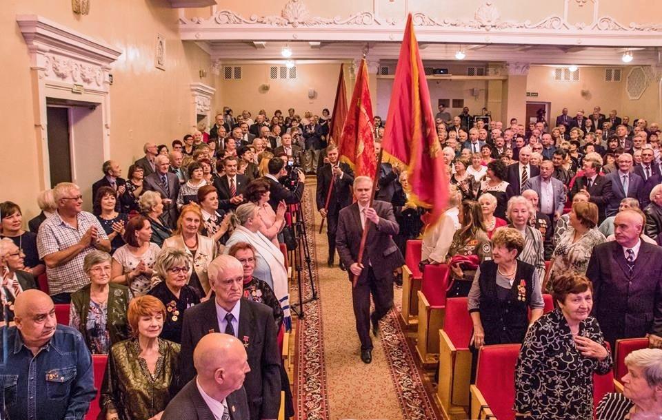 В честь 100-летия ВЛКСМ