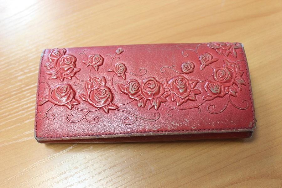 Раскрыты кражи кошелька, товара в магазине и банковской карты