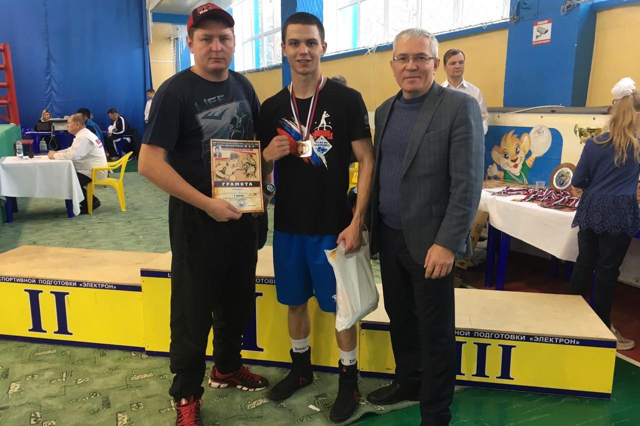 Никита Поплавский выполнил норматив Мастера спорта по боксу