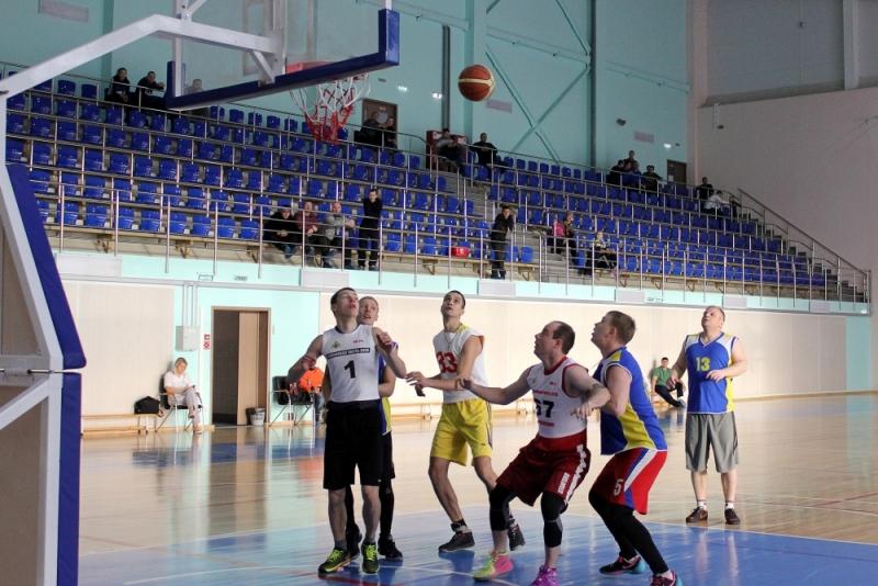 Пожарные одержали победу на городских соревнованиях по стритболу