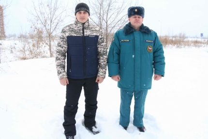Северчане Олег Лифанов и Иван Ярунин спасли провалившуюся под лёд 69-летнюю женщину