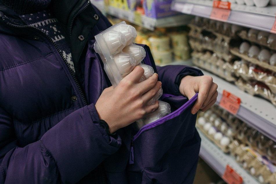 Раскрыты кражи кабеля и продуктов