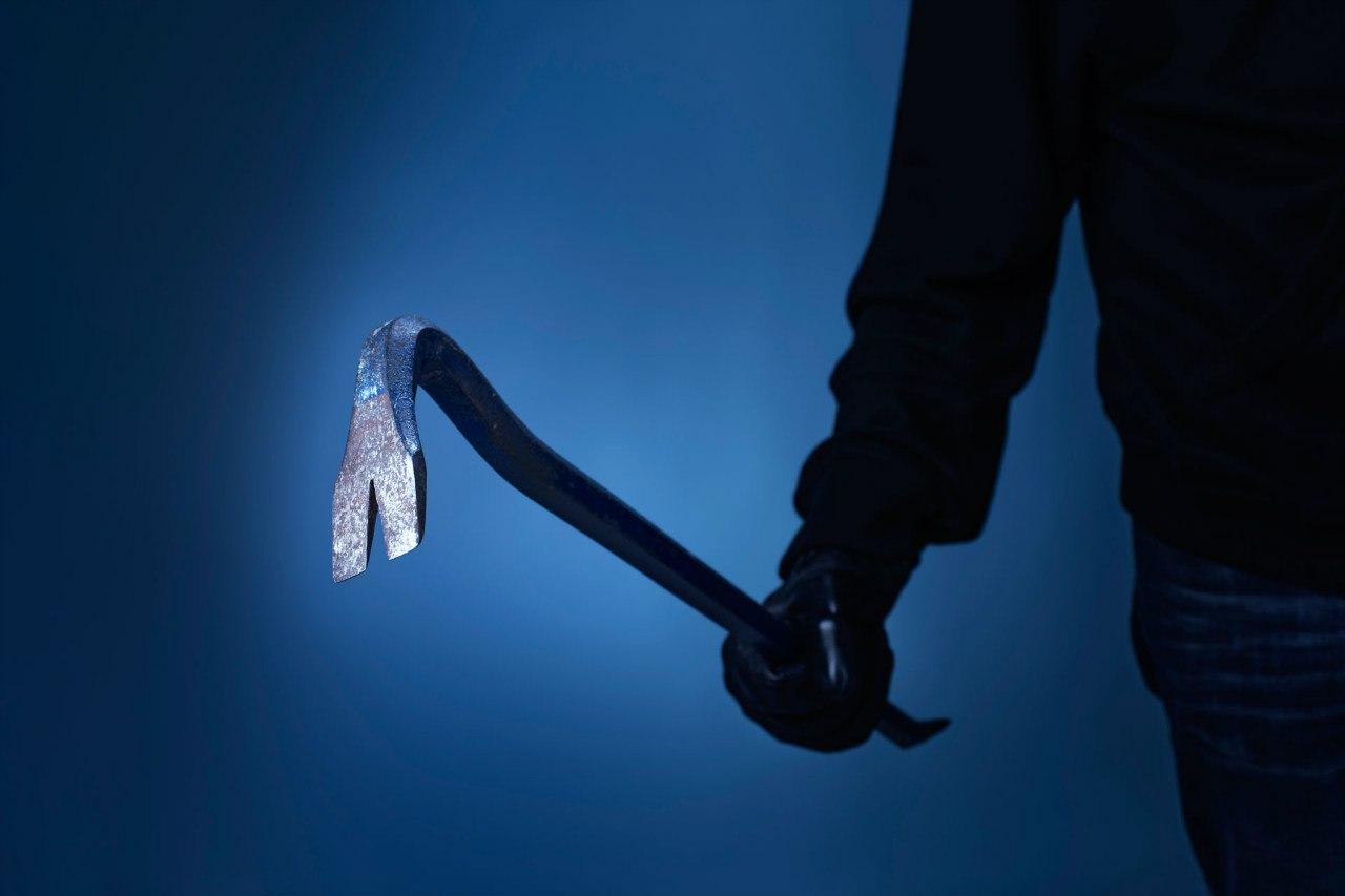 Северчанин получил 200 часов исправительных работ за удар незнакомца гвоздодером