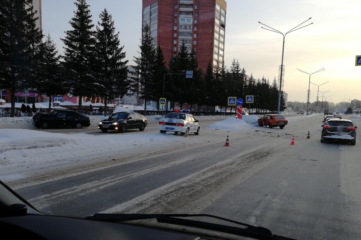В результате вчерашнего ДТП оба водителя получили травмы