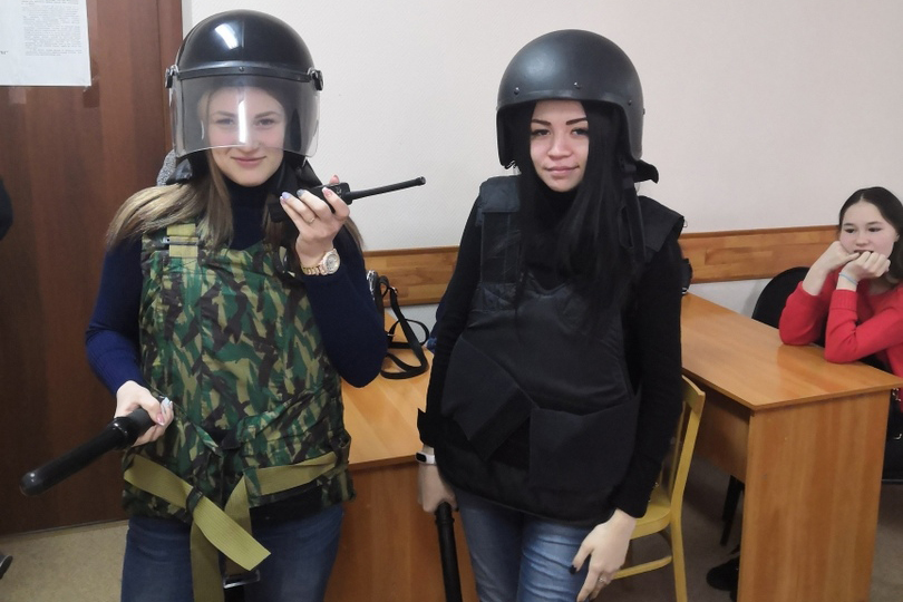 Студенты-юристы СПК познакомились с работой полиции
