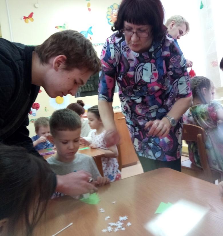 Волонтеры СПК с общественной организацией «Креативные мамочки» навестили ребятишек реабилитационного центра