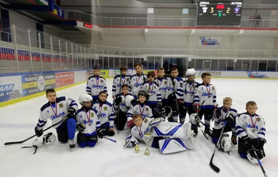 Юные хоккеисты ярко выступили на межрегиональном турнире