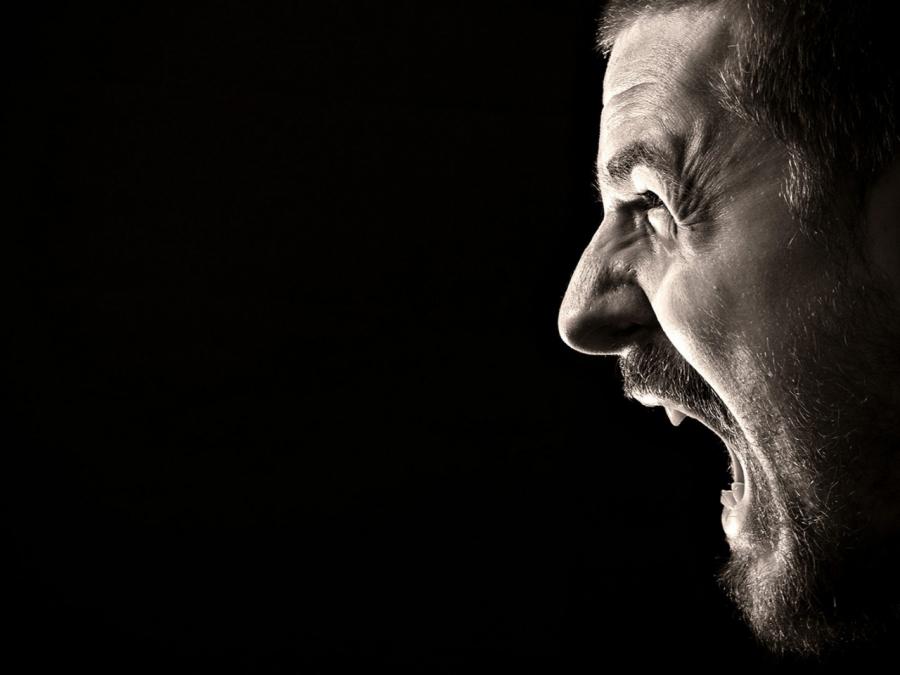 Северчанин заплатит штраф за оскорбление бывшей сожительницы