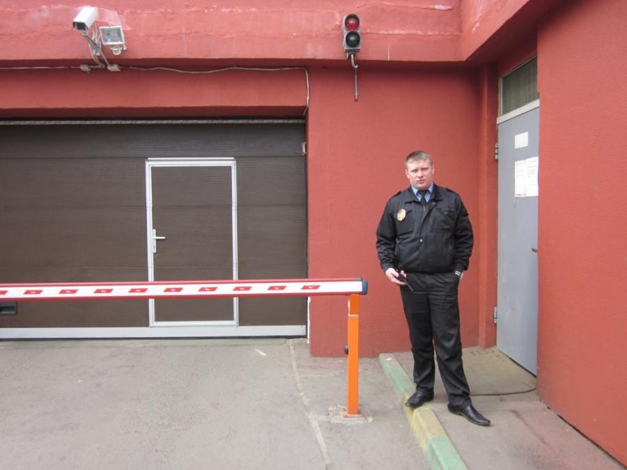 Владельцам гаражей советуют воспользоваться услугами охранных предприятий и установить камеры