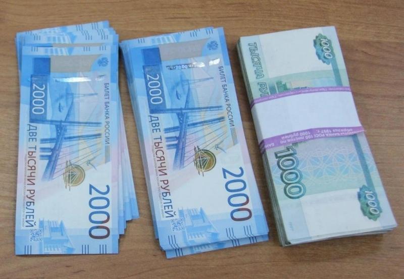 Рабочий обманул заказчика на 125 тысяч рублей