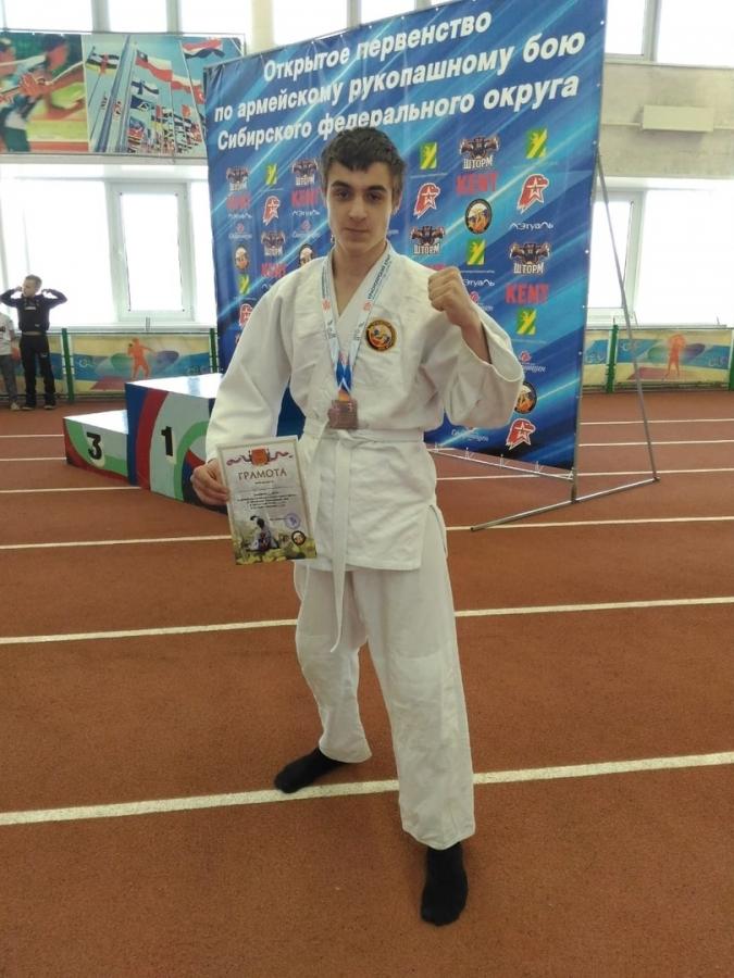 Петр Юдинцев отправится на Чемпионат России по армейскому рукопашному бою