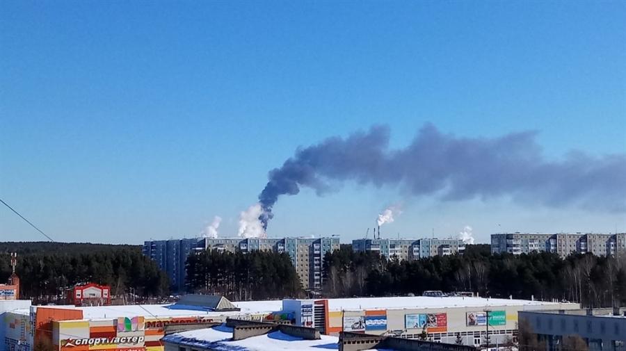 Северчане жалуются на черный дым над «Томскнефтехимом»